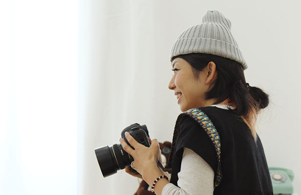 nunocoto撮影会での鈴木さん。子どもの笑顔を引き出してくれる。