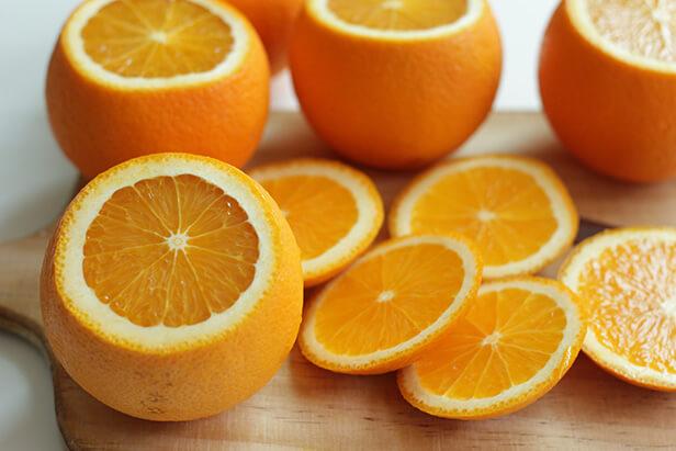 おしゃれにカットされているオレンジ